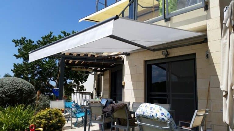 טיפ לניצול מלא של המרפסת עם מוצרי הצללה מתקדמים