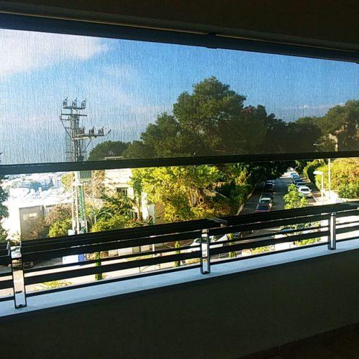 התקנת סוכך מסך במרפסת